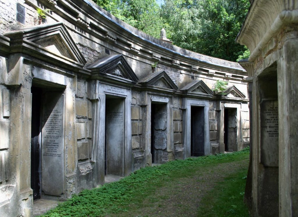 The Egyptian Avenue has appeared in many London horror films